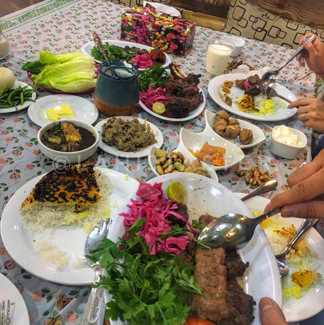 رستوران دوسیب لاهیجان با مدل گیلانی! + تصاویر