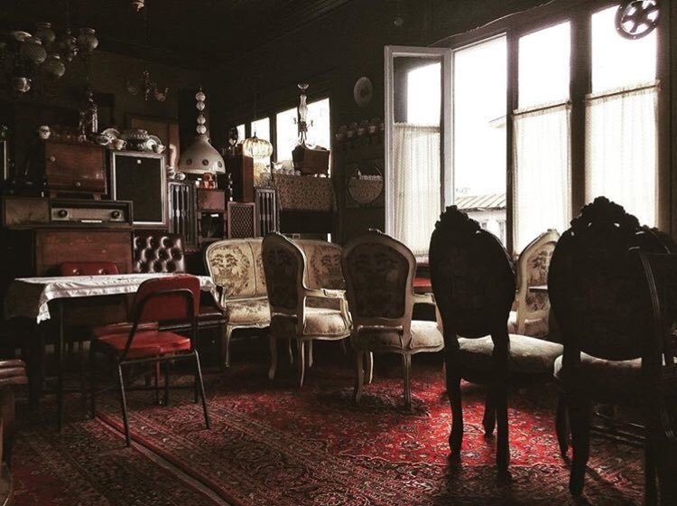 معرفی بهترین کافه های رشت با مکانی راحت و رویایی ☔