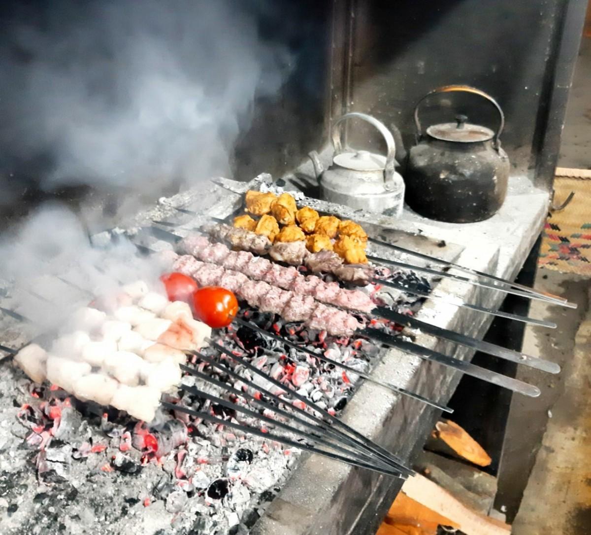 تالش کباب ، رستورانی در مسیر قلعه رودخان با غذای خاص طالشی